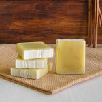 Sabão de Manteiga de Cacau, Camomila e Calêndula